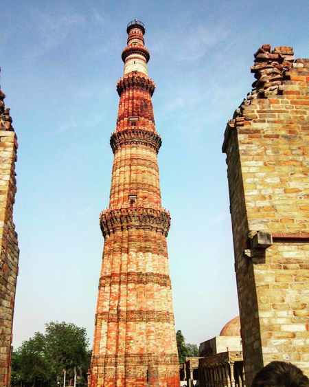 History Architecture Old Ruin Travel Destinations Architectural Column Outdoors Built Structure Sky Onearth VSCO India Motog5plus Afternoon Delight The Great Outdoors - 2017 EyeEm Awards EyeEmNewHere Love To Take Photos ❤ The Street Photographer - 2017 EyeEm Awards Architecture DelhiGram Delhidiaries Canonphotography Qutub Minar Qutub Minar, New Delhi