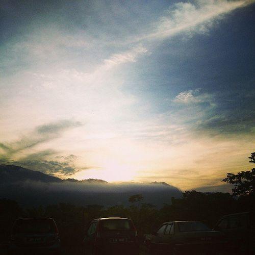 A very good morning. Running Runner Jogging Getfitwithalexfong nikerunning morning view sky sunrise kampar asianlife unilife