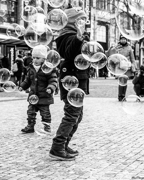 BubbleHunters Urban Social Documentary Traveling Prague Reyscue Street Moments Bw_street White Black Pictureoftheday Picoftheday Bestoftheday Instagood Photoof Bw_street 1 Child Save World One Life Streetphotography