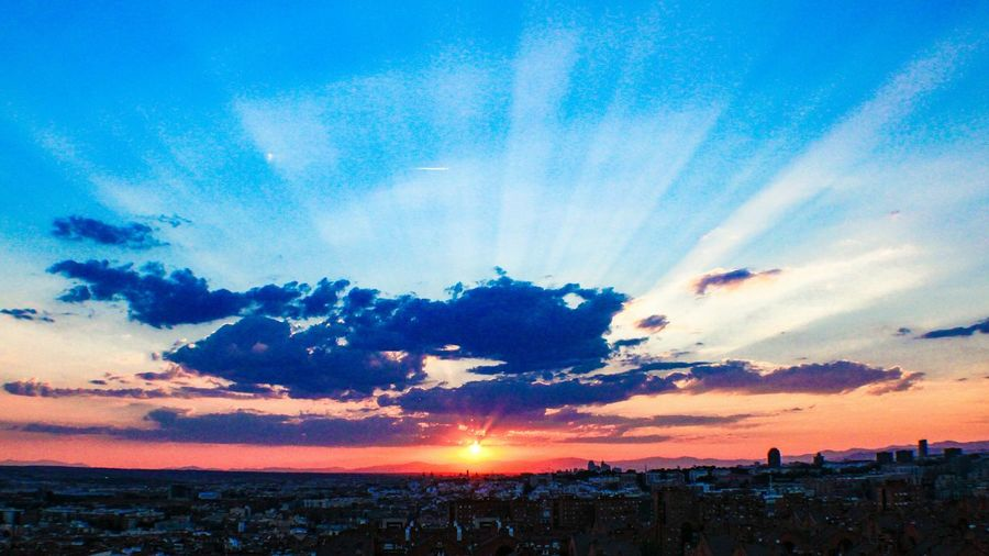 Sunset Sun Scenics Tranquil Scene Beauty In Nature Landscape Orange Color Blue Sunbeam Tranquility Travel Destinations Cloud - Sky Check This Out EyeEm Gallery Madrid Spain Madrid SieteTetas Mirador De Vallecas Parque De Las Siete Tetas Cityscapes The City Light