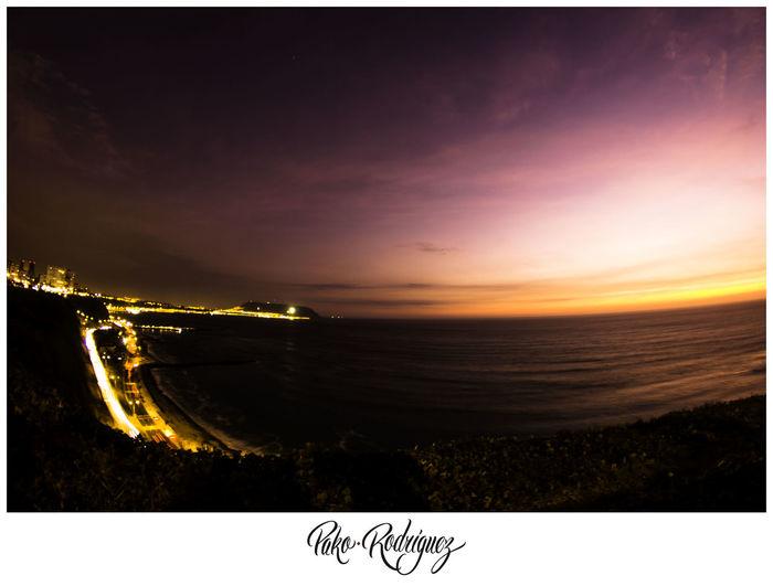 Atardece en Lima #Lima #Perú #sunset #sun #clouds #skylovers #sky #nature #beautifulinnature #naturalbeauty #photography #landscape Beach Horizon Over Water Nature Scenics Sea Sky Sunset