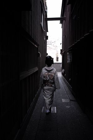 Streetphotography Street Japan Taking Photos Hello World Snapshots Of Life Street Fashion Our Best Pics People Getting Creative Geiko Check This Out EyeEm Best Shots - People + Portrait EyeEm EyeEm Gallery WomeninBusiness Women Who Inspire You Showcase April Light And Shadow