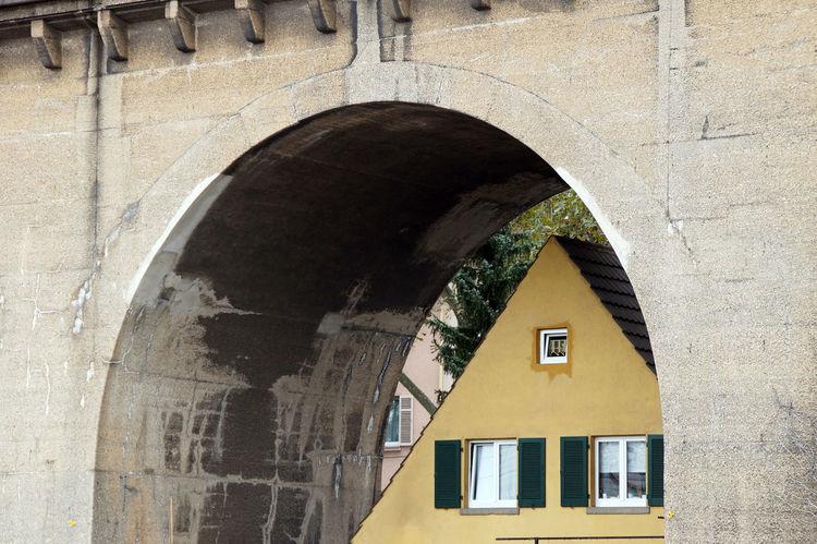 A house built ander a railroad bridge Architecture Atraction Atractions Bridge Curiosity Curious House Railroad Bridge Stuttgart