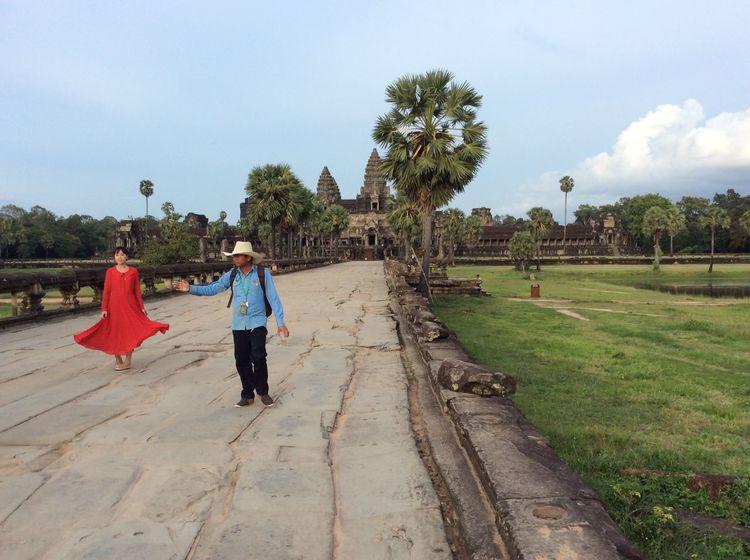 Femme Rouge Angkor Wat Mouvement