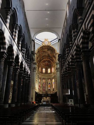 San Lorenzo - Genova EyeEm Selects Architecture Built Structure Indoors  Place Of Worship Religion Belief Spirituality Building Ceiling No People Aisle Arch Travel Low Angle View Tourism Lighting Equipment Travel Destinations Illuminated Ornate Altar