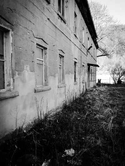 Barns Barn Abandoned Buildings Abandoned Places Abandoned Blackandwhite Front Door Weathered