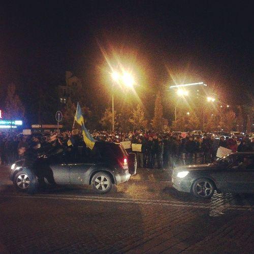 Проезжая часть на Михайловской площади евромайдан євромайдан