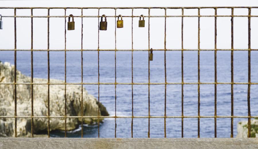 Close-up Day Hanging Horizon Over Water Italy Lecce Leuca Locks Nature No People Outdoors Ponte Ciolo Puglia Salento Santa Maria Di Leuca Sea Sky Water