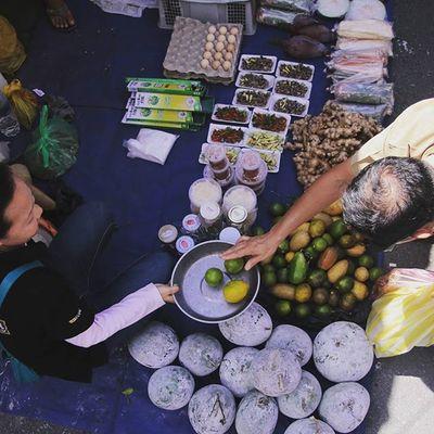 Gaya Street - Kota Kinabalu , Sabah Gayastreet Kotakinabalu Sabah Negeribawahbayu Tourism Malaysia Reflexsology Market Pasar Vscomalaysia Vscography VSCO Fresh Fruit Vegetable