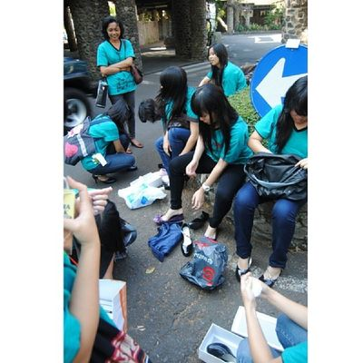 """""""Where's my shoes?"""" """"Is this my shoes?"""" """"No! It doesn't fit my foot."""" """"This is frustrating!"""" """"How cute"""" and blahh...are the sounds that the girls made when they're trying on their new shoes they're going to wear on stage. TBT  Fps ITB 2012"""