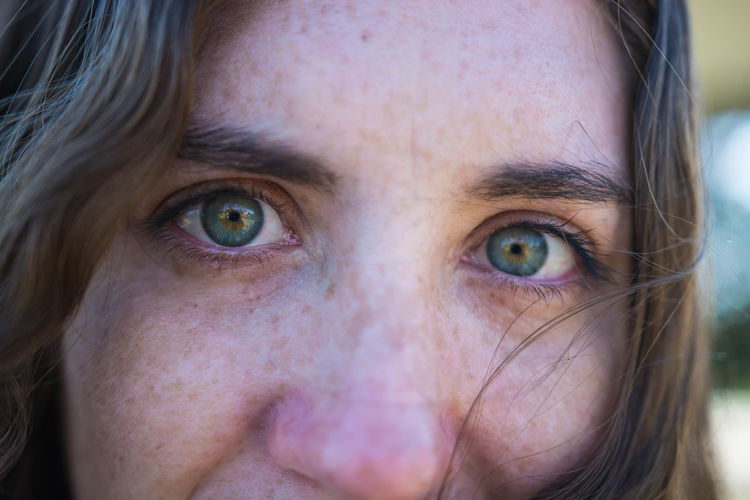 Portrait Looking At Camera Close-up One Person Real People Human Body Part Headshot Eye Front View Human Face Body Part Human Eye Young Adult Young Women Hair Women Lifestyles Focus On Foreground Eyebrow Teenager Hairstyle Eyeball Hazel Eyes  Green Eyes Beautiful Eyes Smile Hanging Out Candid Happy Close Up Freckles Beauty Spontaneous The Portraitist - 2019 EyeEm Awards