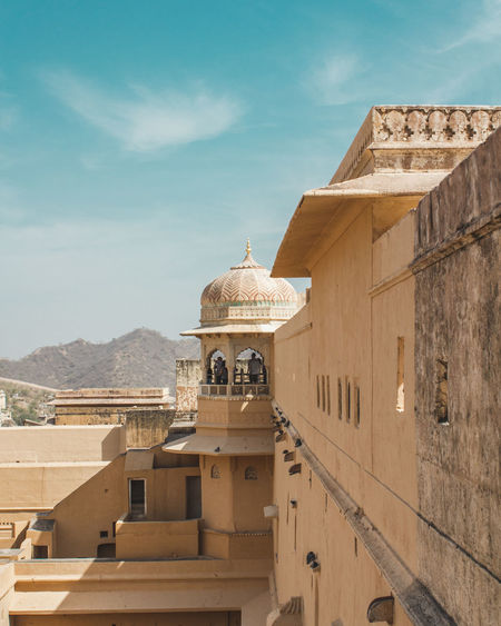 Amer fort , Jaipur, Rajasthan #India 2018. Rajasthan Jaipur Rajasthan Jaipur Travel Photography Amerfortjaipur Amerfort Architecture_collection EyeEm Selects Blue King - Royal Person Religion History Ancient Civilization Beauty Sky Architecture Palace Royalty Ancient Royal Person Dome