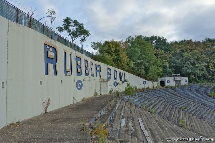 Abandoned Rubber Bowl Stadium coming soon on www.placesthatwere.com Rubber Bowl Stadium Football Football Stadium Architecture Urbex Abandoned Eerie Creepy Ruins Urban Exploration Abandoned & Derelict Akron Ohio Abandoned Building Urban Decay Abandoned Buildings Akron No People Sky Outdoors Zips Derby Downs