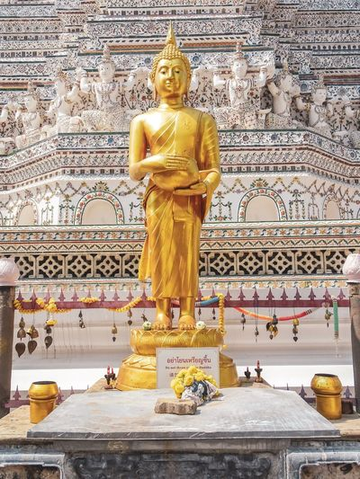 Buddhism Sculpture Art And Craft Statue Human Representation Representation Male Likeness Religion Spirituality Gold Colored Belief Architecture Built Structure Idol No People