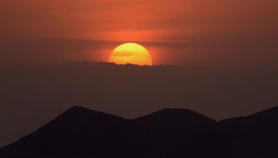 Sun Sunset Clouds And Sky Orange Dark Golden Oman Beauty