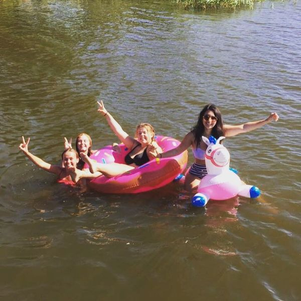 The squad and Göran (Göran is the horse) The Squad Squadgoals Living Swimming That's Me Enjoying Life Lake Cheese! Summer Hello World