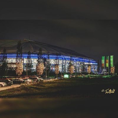 Schalke Arena VeltinsArena Stadion S04 Fanpic Blauundweiss Langzeitbelichtung Nachtfotografie Nachtaufnahme Arenaaufschalke Lzb Picofinstagram Picoftheday Bestoftheday NRW Gelsenkirchen Olympus EM1 Oly HDR