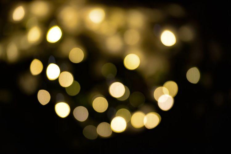 Glitter Illuminated Defocused Lighting Equipment Decoration Night Light Effect Light Bulb No People Elégance Spirituality Shiny Pattern