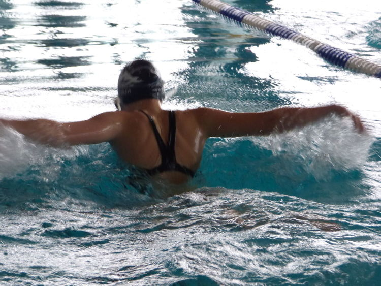 Balance Learn & Shoot : Balancing Elements Leisure Activity Lifestyles Person Swimming Water Young Women