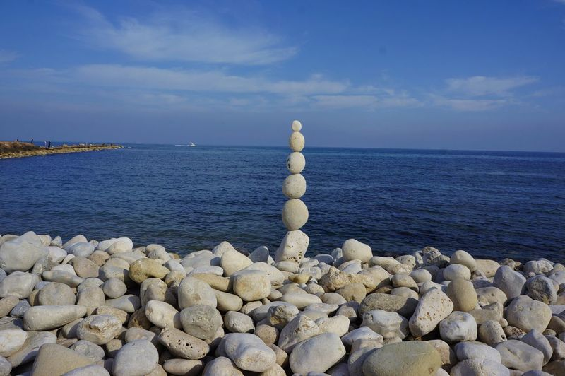 Beach Water Sea Day Sky No People Tranquility Scenics Nature Outdoors Horizon Over Water Beauty In Nature Beach Zen Zen Rocks Zen-art Zen Representing