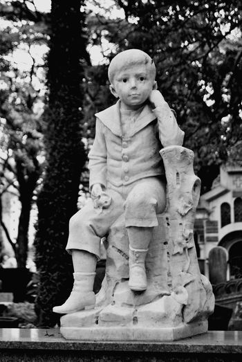 Cemiterio Religion Statue Tree No People Outdoors Day Sculpture Architecture SauloBarros Brasil ♥ Spirituality Cemitery City ArteTulmular Cemiterio Da Consolacao Arte Tumular Sao Paulo - Brazil Statue Human Representation Ancient Fragility