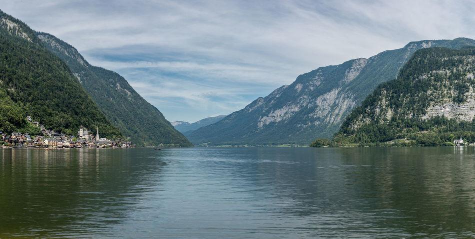 Ausblick Bergblick Berge Hallstatt Hallstätter See Himmel Keine Menschen Landschaft Panorama Salzkammergut See Spiegelung Spätsommer  Tourismus Ufer Wasser Wolken Österreich
