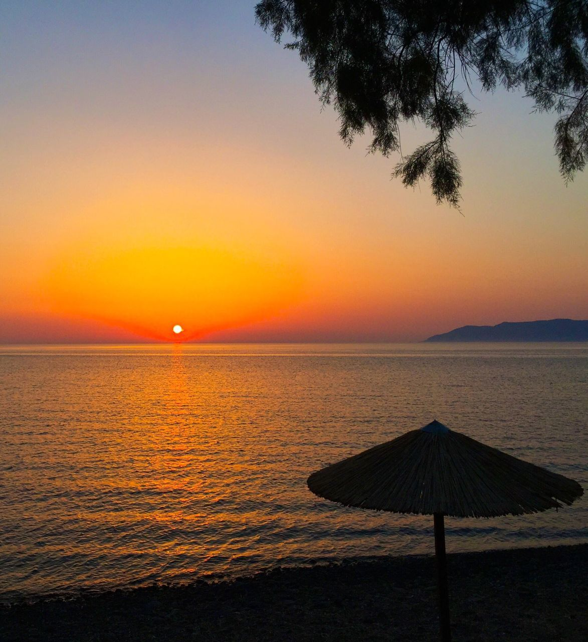 sunset, sea, beauty in nature, scenics, nature, tranquil scene, tranquility, water, beach, horizon over water, outdoors, sky, no people, day