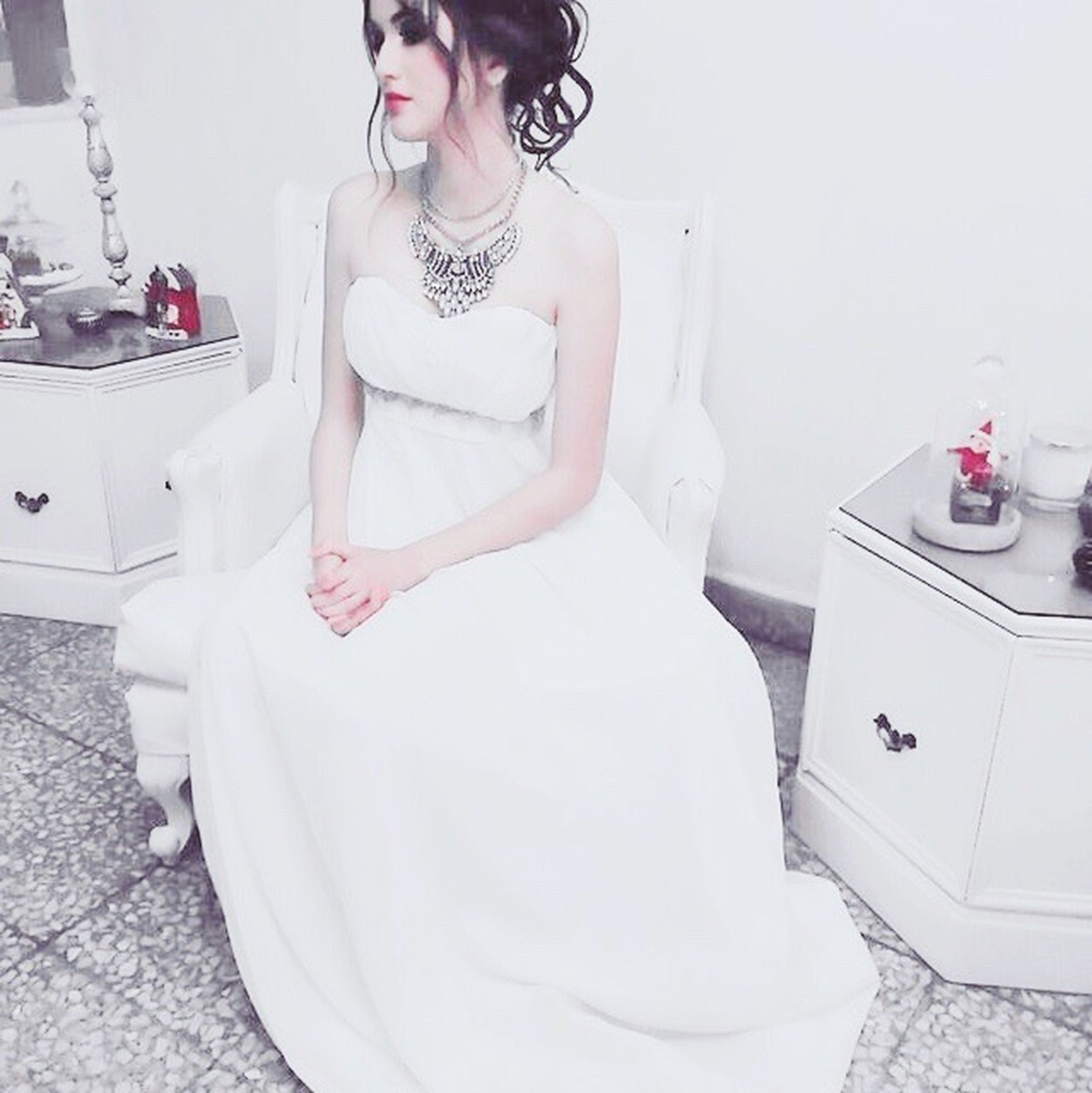 only women, one woman only, adults only, fashion, wedding dress, adult, one person, glamour, people, women, bride, business finance and industry, beauty, young adult, beautiful woman, one young woman only, indoors, day