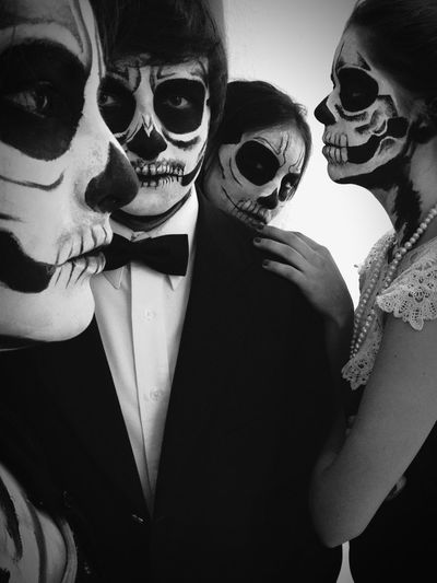 Dayofthedead Catarinas Friendship Men Togetherness Women Young Women Portrait Bonding Party - Social Event Eyeglasses  Headshot Eye Mask Disguise Dressing Up The Portraitist - 2018 EyeEm Awards