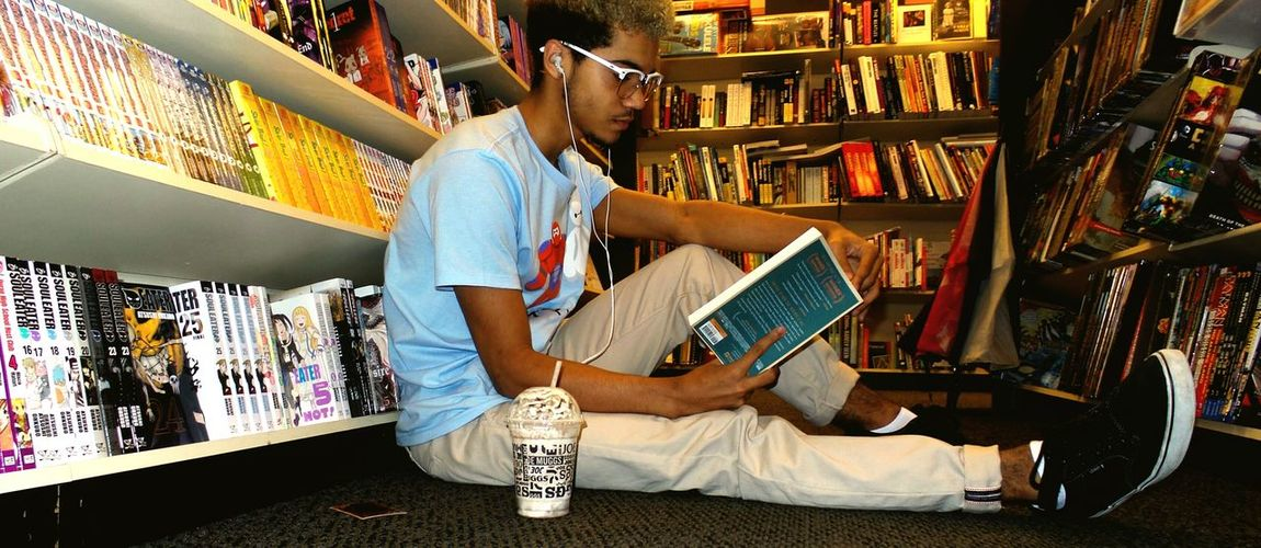 That's Me Books A Millon Anime Manga Weaboo Firstpicture Check This Out Taking Photos First Eyeem Photo Baymax Glasses Me And Earl And The Dying Girl Hipster Books Relaxing