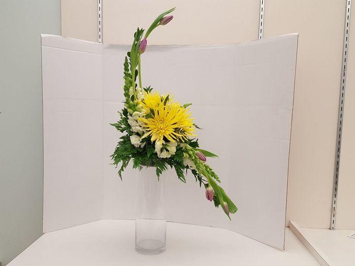 hogarths curve Yellow Flowers Pink Tulips Floral Design Freshness Fresh Flower Elegant Elegant Flowers Sophisticated