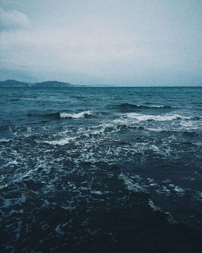 kinda obsessed with water lately. - - - Photographer VSCO Blue Dark Witch Witchcraft  Sea Water Minimalist Scandinavianliving Spring Vscocam Folk Naturelove