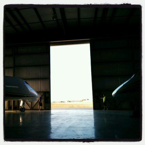 Putting planes in 3000 hangar Plane