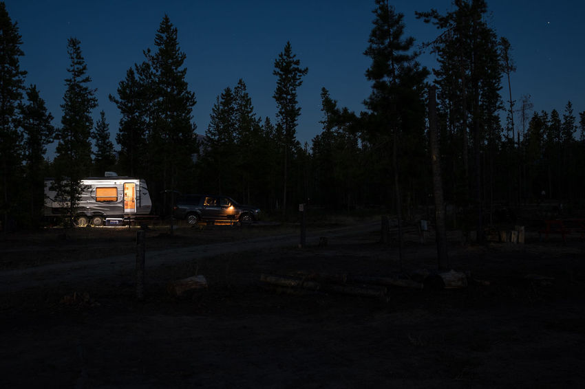 Cars Nightphotography Transport USA Wildlife & Nature Wohnmobil Adventure Camper Campervan Car Caravan Day Forest Growth Land Vehicle Landscape Mode Of Transport Nature No People Outdoors Roadtrip Transportation Tree Wald Wildlife