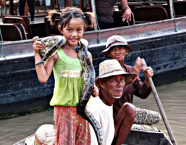Snake Market Thailand People From Around The World