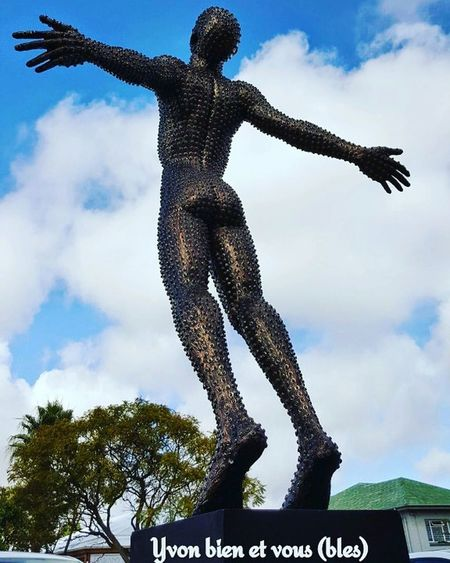art de rue Yvonbien Art Sculpture Statue South Africa Voyage Trip Vacations Clouds Cloud - Sky Sky One Man Only Outdoors Only Men One Person Adult Standing People Men Human Body Part