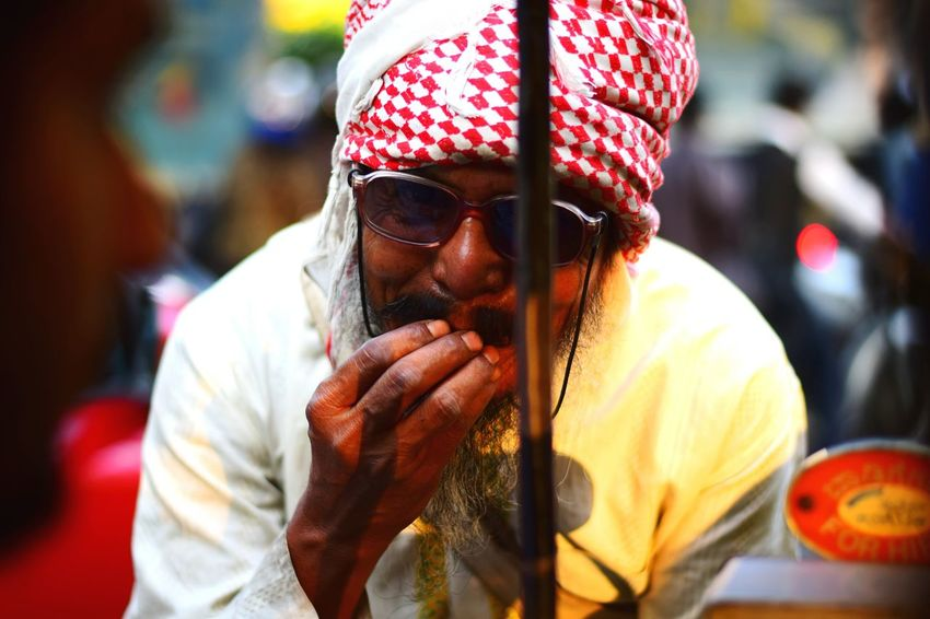 Hunger Helpme Streetphotography Street Bangalore Traffic Men Portrait Beard Mid Adult Close-up Sunglasses
