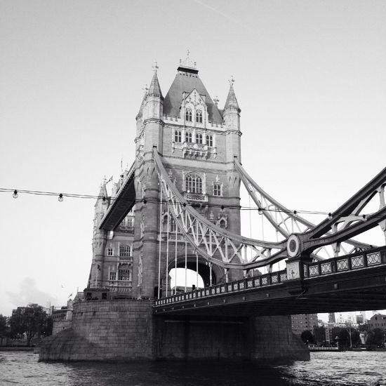 Hello World Towerbridge Enjoying Life