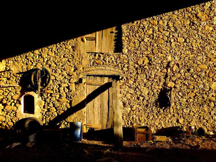 Fachada Sombras Architecture Building Exterior Façana Hora Baixa Illuminated Pared De Piedra Shadows Stone Wall