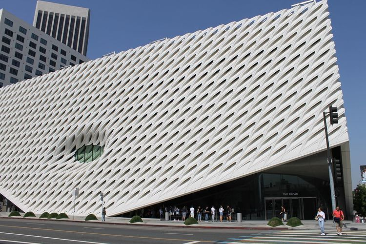 Thebroad Museum Of Modern Art Museum Architecture City Sky Group Of People Day Built Structure Building Exterior Building Modern Incidental People