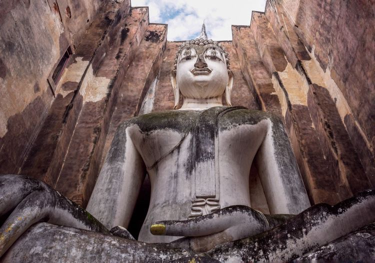 wat srichum in thailand Buddha Temple SriChumTemple Old Buildings Thailand Outdoor Ancient Civilization Sculpture Statue Place Of Worship History Old Ruin Religion Ancient Beauty Sculpted