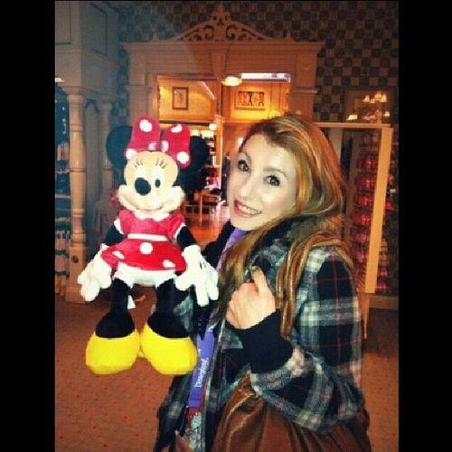 TBT  Throwback Disneyland Cali IMissCali Blondie Cheesin Minniemouse Love
