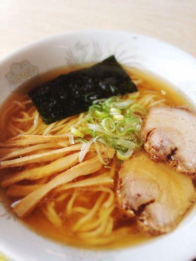 ラーメン600円。魚介だしも小気味良く効いたあっさりスープに、少し平打ち気味のツルツルコキコキ麺♪ IPhoneography Ramen