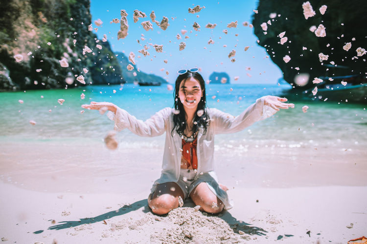 Smell the sea and feel the sky. 🐟🏝 Leisure Activity One Person Full Length Emotion Water Young Adult Real People Nature Lifestyles Happiness Young Women Motion Day Women Fun Portrait Human Arm Limb Outdoors Positive Emotion Celebration Land Holiday Sand Sand Dune