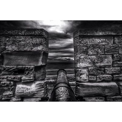 Cannon.. Bamburghcastle Northumberland Explorenland Capturingbritain_bnw Fiftyshadesof_history Bnw_diamond Princely_bw Icu_britain_bw Bnw_society Blackandwhite