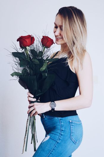 #roses #valentine #danielwellington #dw YESdw Danielwellingtonwatches Danielwellington Young Adult Standing Bouquet