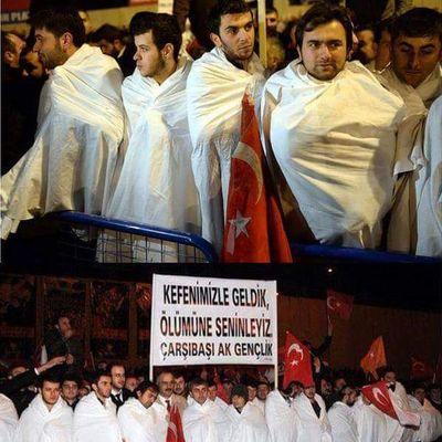 Kefenimizi giydik geldik diyenler hadi bilal oglani da alin sinirlara hadi cnm hadi tosunlar hadi. HDP Chp MHP Akp suriyeilesavasahayir savasahayir