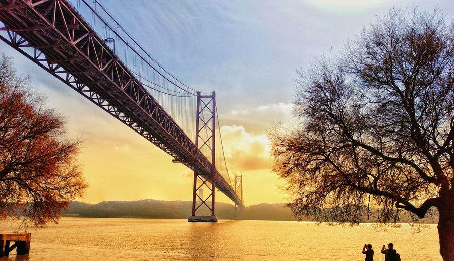 ponte 25 de