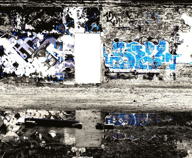 Wall Graphity Blue Contrast Reflection Puddle Showcase March Graphity_art