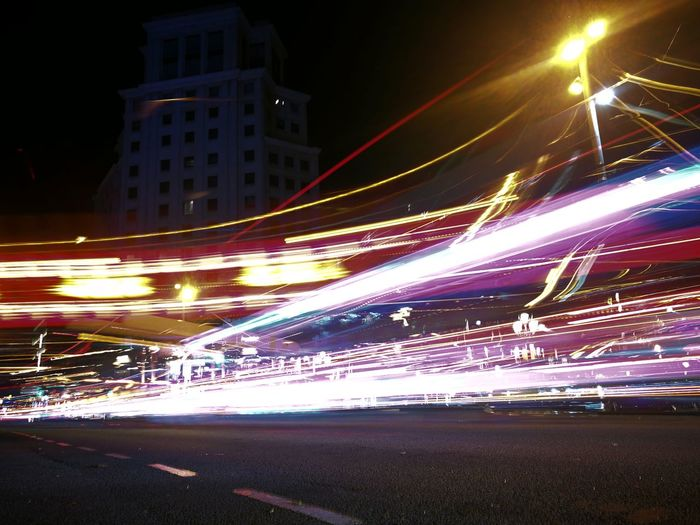 Light Trail Night Speed Illuminated Long Exposure Blurred Motion Motion Business Finance And Industry Modern Road Outdoors No People City Life City Architecture Skyscraper Building Exterior Technology Cityscape Sky Larga Exposicion Huawei Photography Day Fotography HuaweiP9
